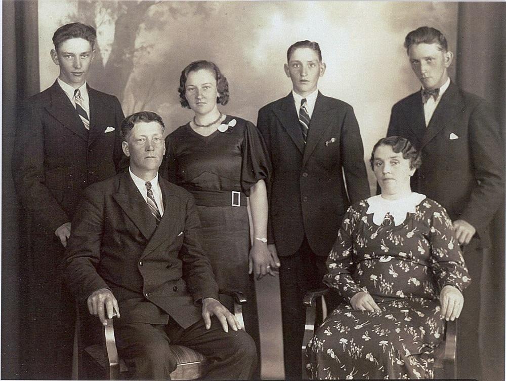 Ragnar & Elin mit ihren Kindern Johnny, Theresia, Gustav und Karl (v.l.n.r.)