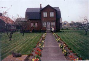 In den 70ern bekam das Wohnhaus eine braune Fassade